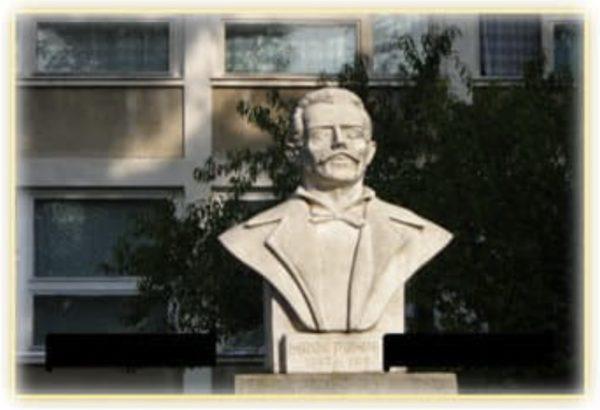 Statuie Pompiliu